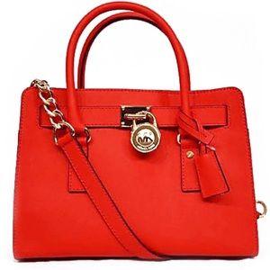 🆕 Reposhing Michael Kors 🍒 Red Hamilton Bag